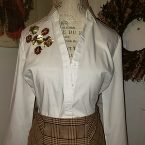 NEW YORK AND COMPANY WHITE EMBELLISHED BLOUSE